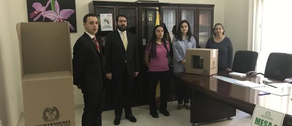 Inició la jornada electoral presidencial 2018 para la segunda vuelta en el Consulado de Colombia en Abu Dhabi